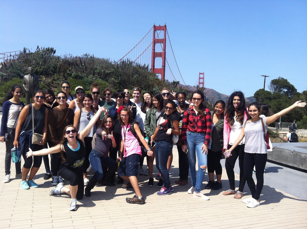 students at golden gate bridge
